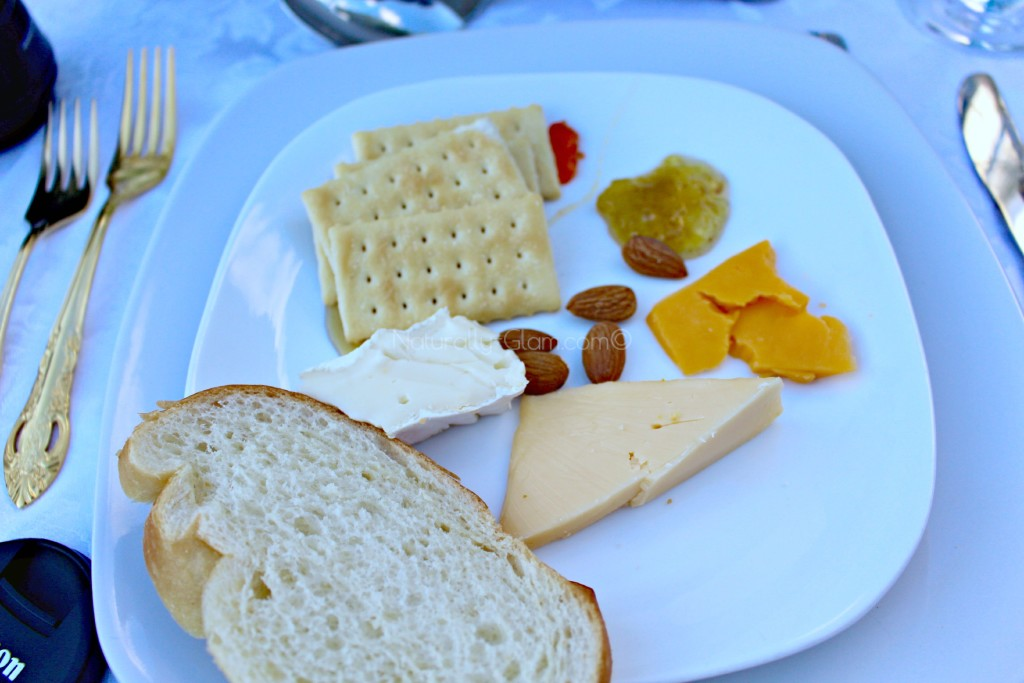 appetizers, cheese, bread, fruit spread