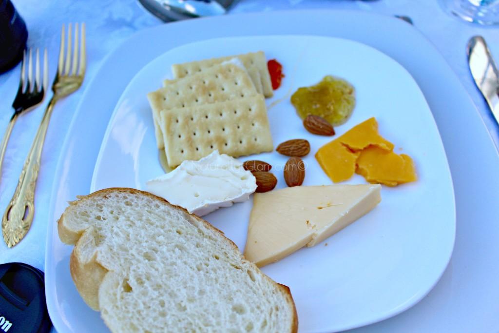 appetizers, cheese, bread, fruit spread