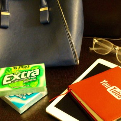 7 Purse Essentials When Attending a Conference