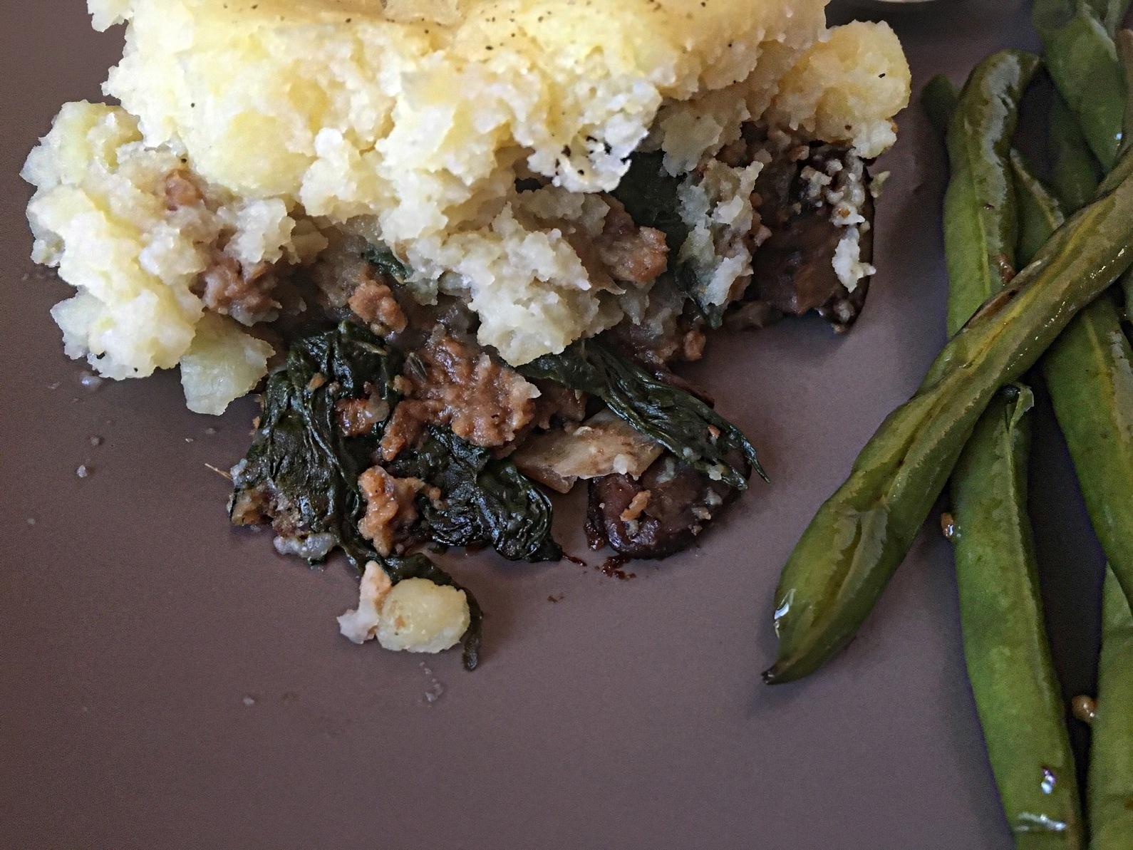 vegan shepherds pie with green beans