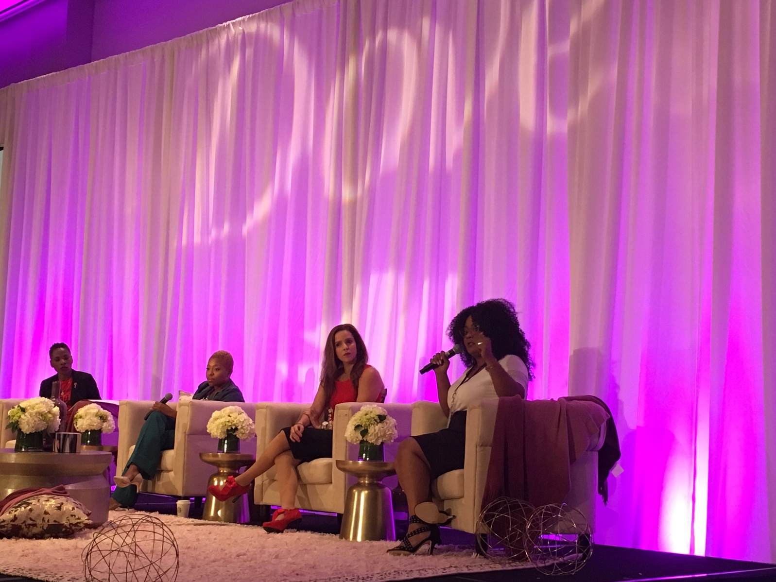 dove speakbeautiful panel at blogalicious
