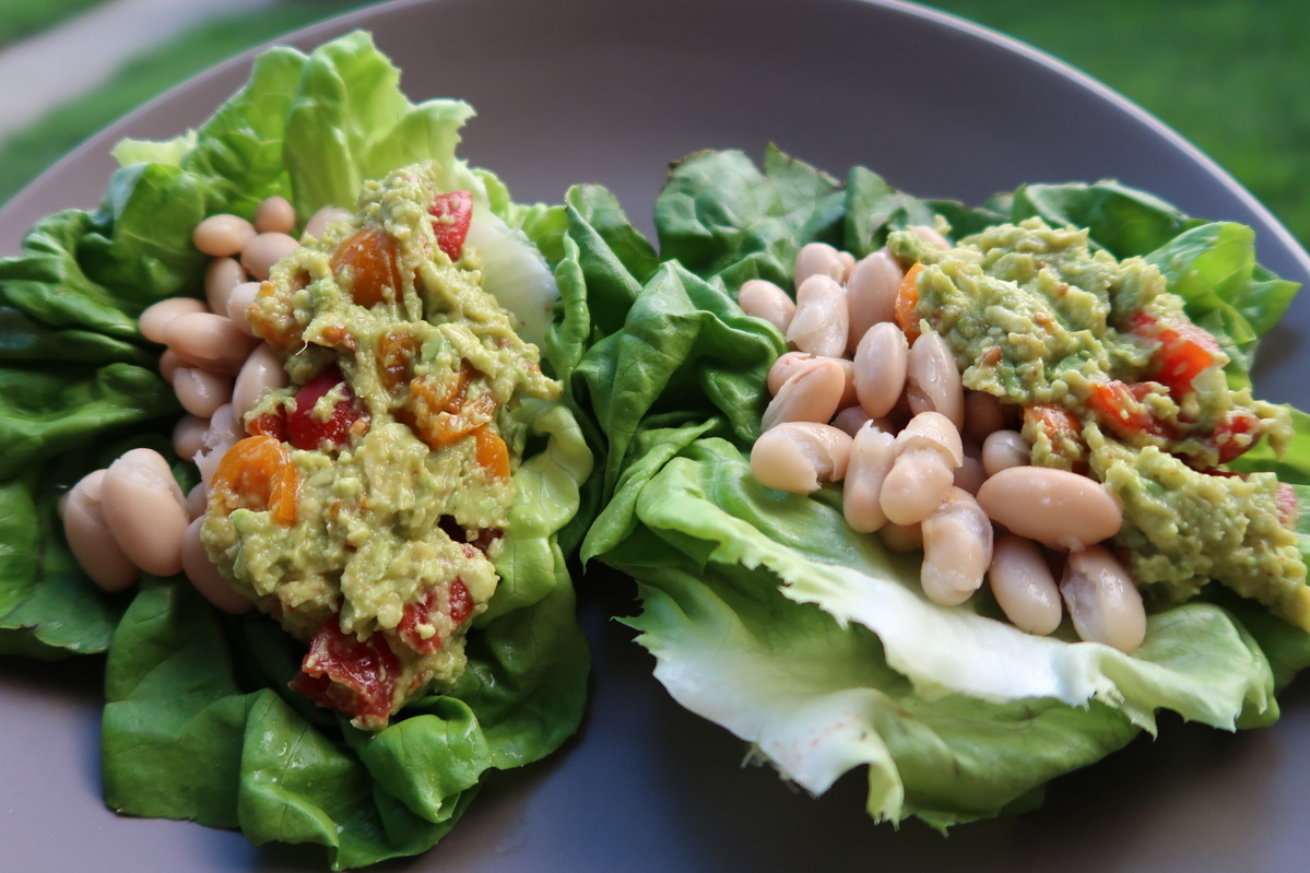 Suja One Day Renewal Meal Plan, White Kidney Bean Lettuce Cups